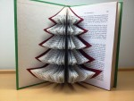 5 Ways to Decorate for the Holidays With Old Textbooks
